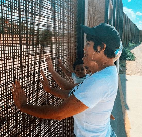 Jackie Cruz outside an ICE facility in El Paso, Texas (Photo: @jackiecruz/Instagram)