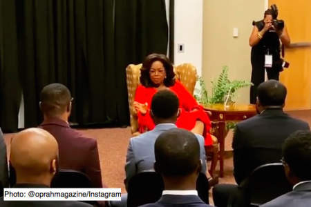 Oprah speaking to the students of Morehouse College. Photo: @oprahmagazine/Instagram