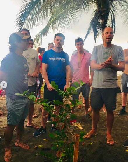 Jack Johnson helps plant trees in Costa Rica with local volunteers from Costas Verdes