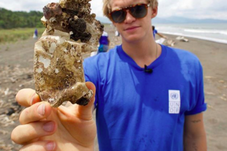 UNDP Oceans Advocate Cody Simpson launches the #NoPlasticChallenge (Photo: @undp/Instagram)