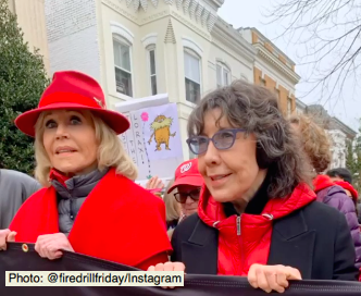 Jane Fonda and Lily Tomlin at the climate protest in Washington D.C Photo: @Firedrillfriday/Instagram)