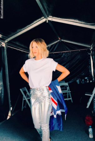 Delta Goodrem about to take the stage at Fire Fight Australia 2020 (Photo: @deltagoodrem/Instagram)