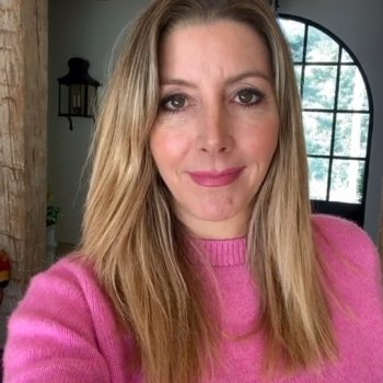 Spanx founder Sara Blakely is giving away $5 million to female entrepreneurs to help them get through coronavirus pandemic. (Photo: @sarablakely/Instagram)